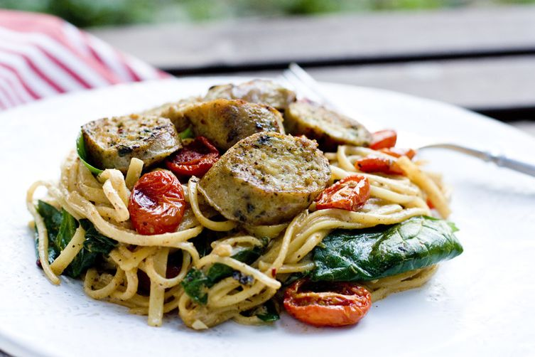 LEMONY LINGUINI :: SLOW ROASTED TOMATOES, SPINACH, CHICKEN SAUSAGE