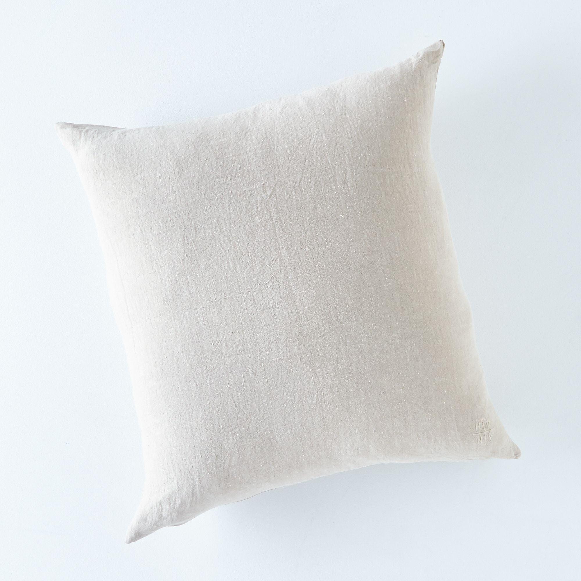 E015abc4 a0f8 11e5 a190 0ef7535729df  2015 0921 hawkins ny stonewashed linen pillow cover 22x22 flax rocky luten 002