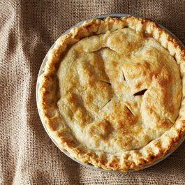 Modern Farmer Chooses Truly Scrumptious Apple Pie