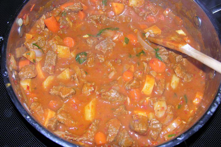 Hungarian-Irish goulash pot pie: double grams