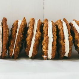 B7a64a2f b020 4913 8d67 6c8ff1c00fa2  oatmeal cream pies6blogsize 1 of 1