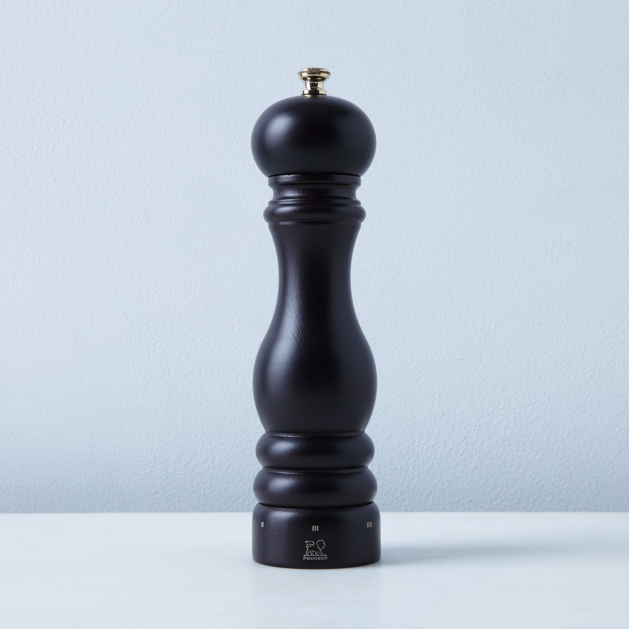 47a2bd79 34bb 4815 a8b2 e533c4bb2032  2016 0628 peugeot paris uselect chocolate 8.75 inch pepper mill silo rocky luten 001