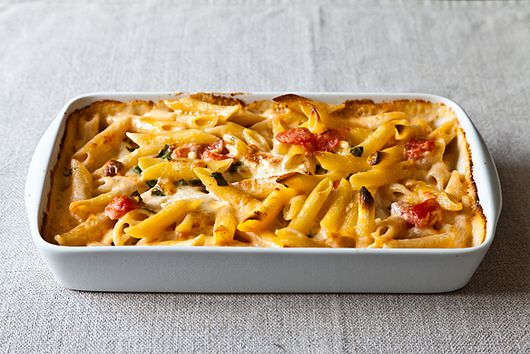 Al Forno's Penne With Tomato, Cream & 5 Cheeses