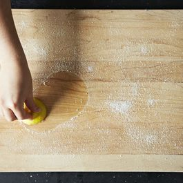 Aa689362-0f41-4cca-b38f-45387961d86f.2013-0809_how-to-clean-cutting-board-034
