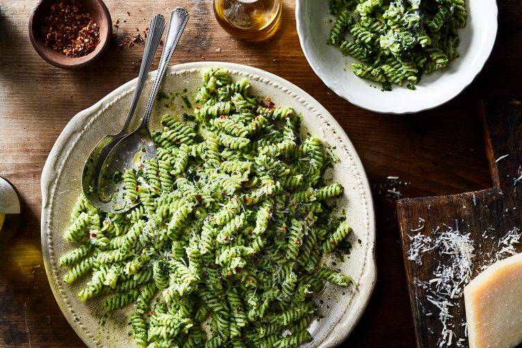 Fusilli with Kale-Cashew Pesto