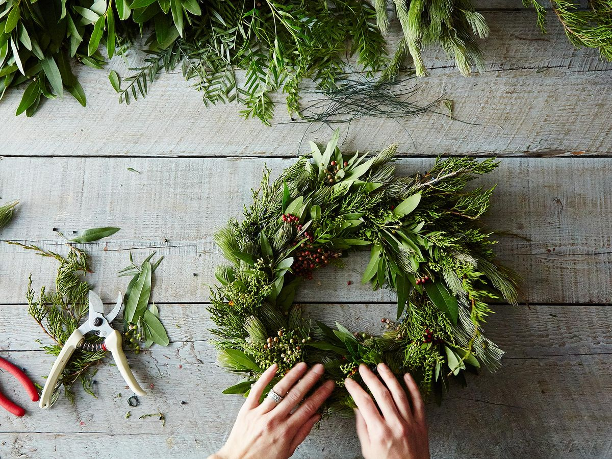 How To Make A Wreath Step By Step Easy Diy Christmas Wreath Guide
