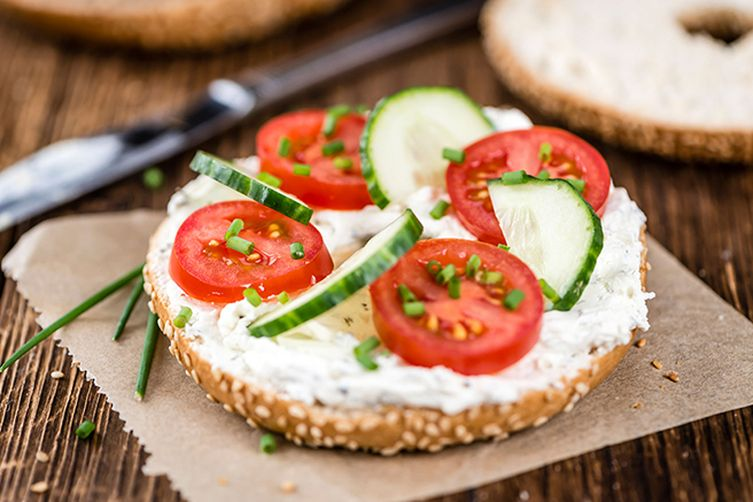 Bagel with Orignal Tofu Spread, Tomatoes and Chives