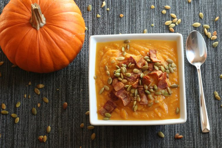 Paleo-Friendly Pumpkin Soup With Bacon