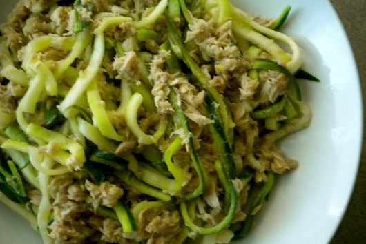 Tuna with Zucchini Noodles