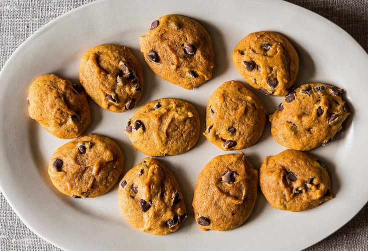 5 Links to Read Before Making Chocolate Chip Cookies
