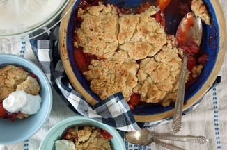 D29c7cd1-494a-4064-a8ca-4334ab89694d--strawberry-apricot_cobbler