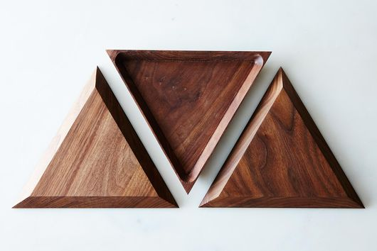 Walnut Triangle Trivet Tray Set