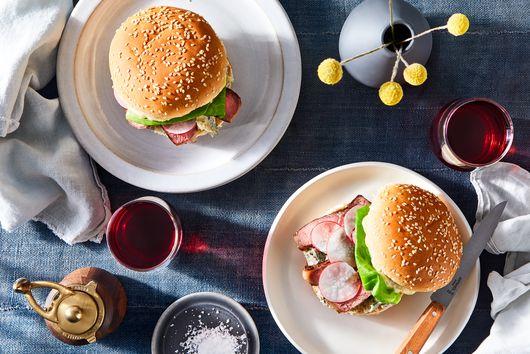 Steak Sandwich With Garlic-Peppercorn Mayo