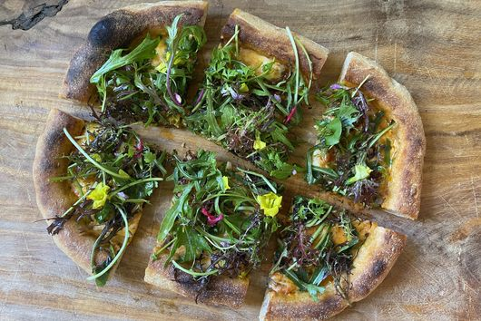 Salad Pizza With Mushrooms & Mozzarella