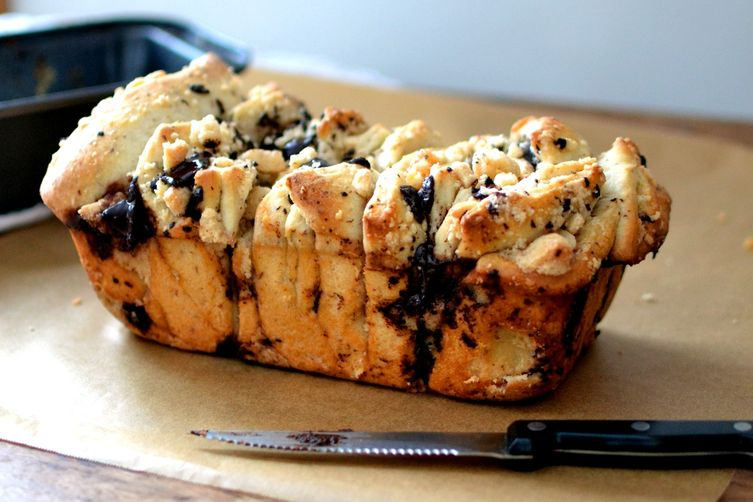Halva Pull-Apart Bread with Dark Chocolate