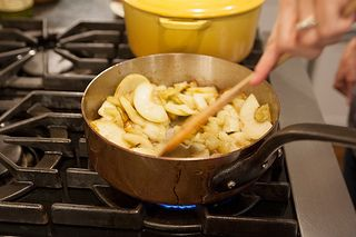 Sauteeing the apples