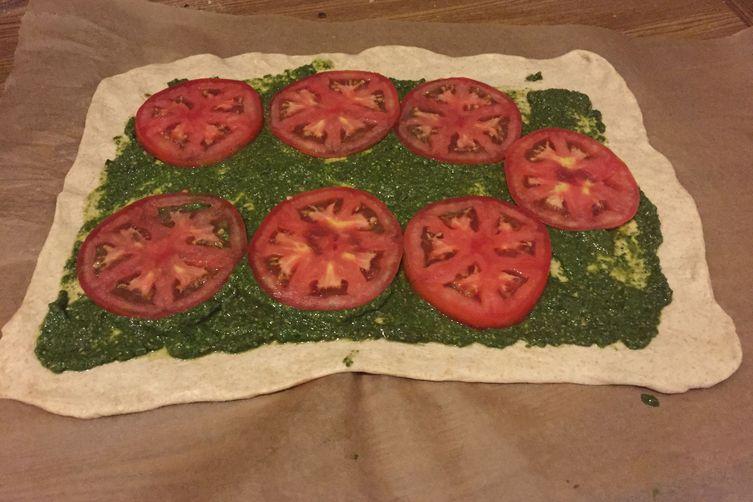 Tomato Pesto Buns