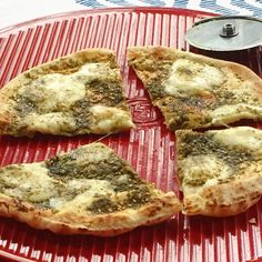 Za'atar and Cheese Pita Pizza