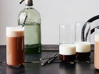 How to Make a Perfect Egg Cream, According to a New York Institution