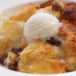 C07a22f4 0ce6 4842 ac57 944816958684  apple raisin bread pudding 12