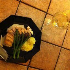 Chicken in white wine with mushrooms