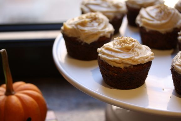 Pumpkin Cupcakes with Chai Cream Cheese