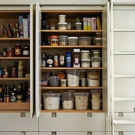 Pantry Perfect by Hannah Petertil
