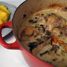 Romanian Creamed Chicken (Ciulama de pui)