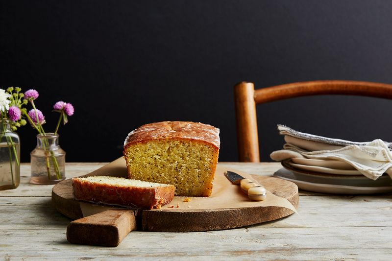 Lemon and Poppy Seed Cake (National Trust Version)