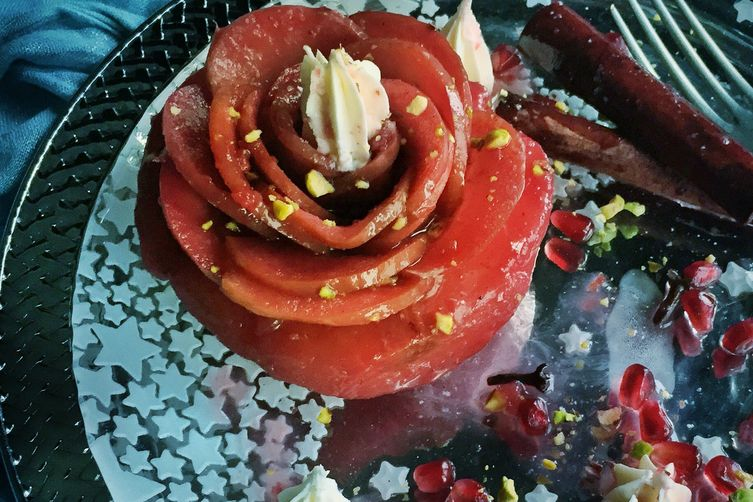 Turkish Quince Dessert with Rose Apples