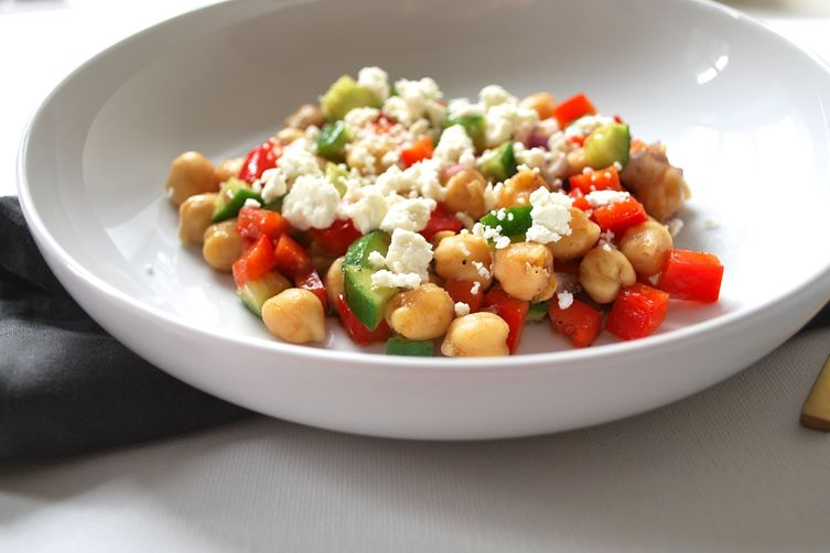 Quick Balsamic Chickpea Salad