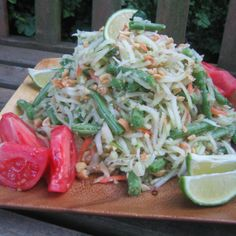 Green Papaya Salad (Som Tam)