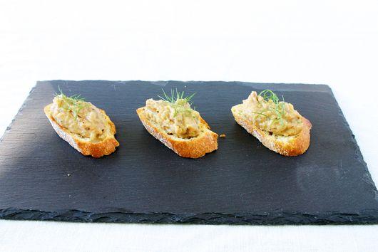 Roasted Fennel, Garlic & White Bean Crostini
