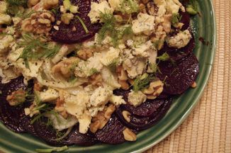 2d89c9b3-7d82-4159-8b44-fcf1bfa6a766.beet_fennel_and_blue_cheese_salad