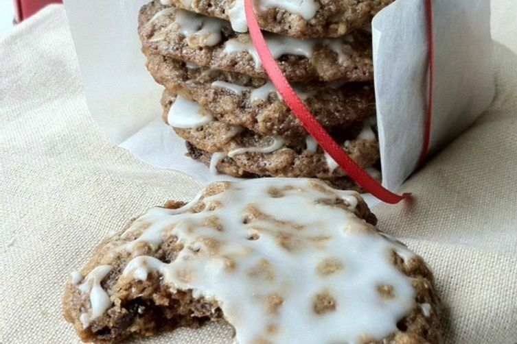 Iced Oatmeal Spice Cookies