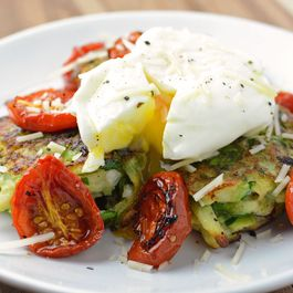 6d5864df 2ddf 4f90 be1f 3898ea937cf6  poached egg yolk leeks zucchini