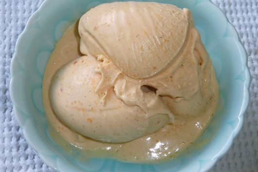 Fresh Peach and Vanilla Bean Custard Ice Cream