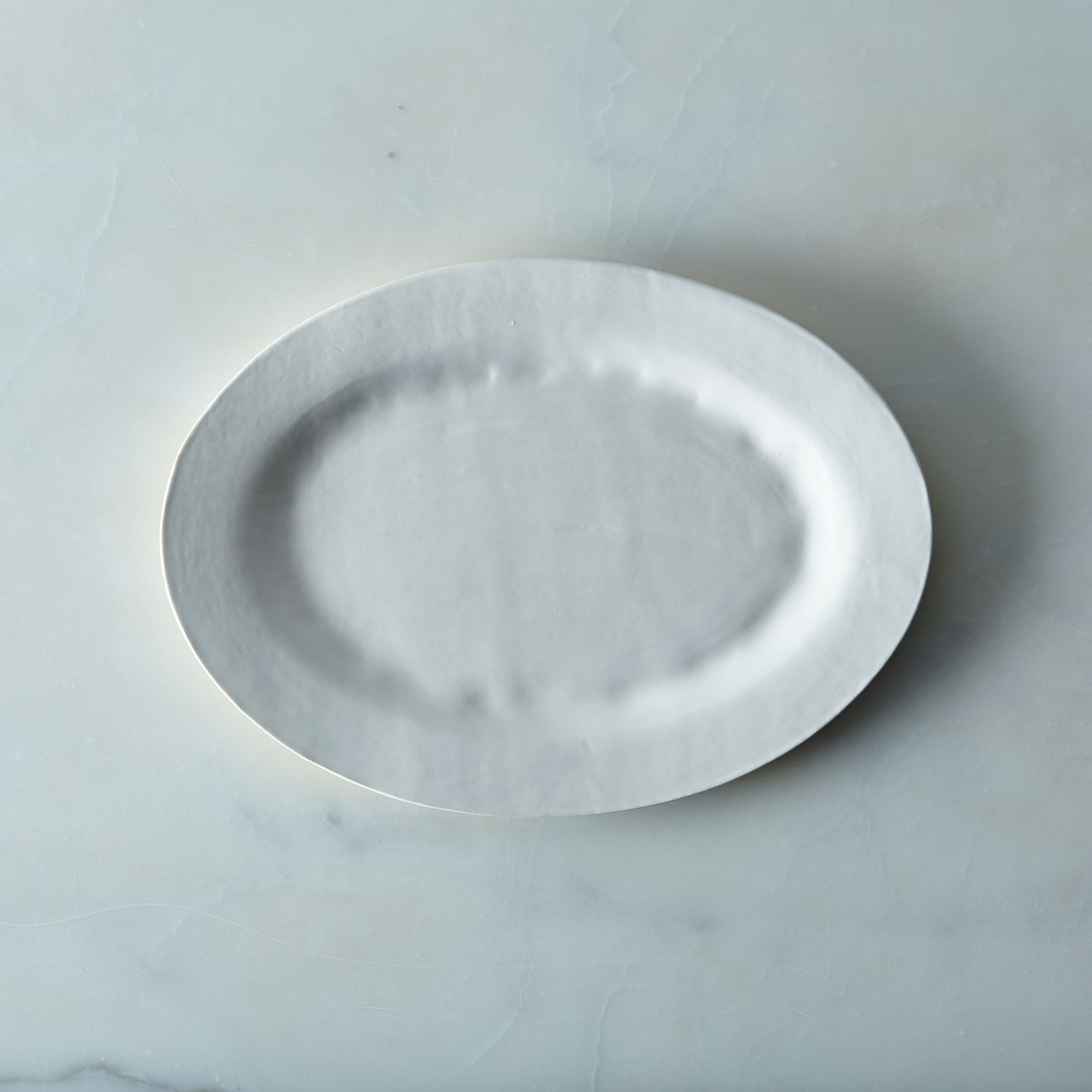 Cd6eca83 e639 47e0 a6ad ccf20f0c803c  2016 0506 looks like white handmade oval serving platter medium silo rocky luten 002