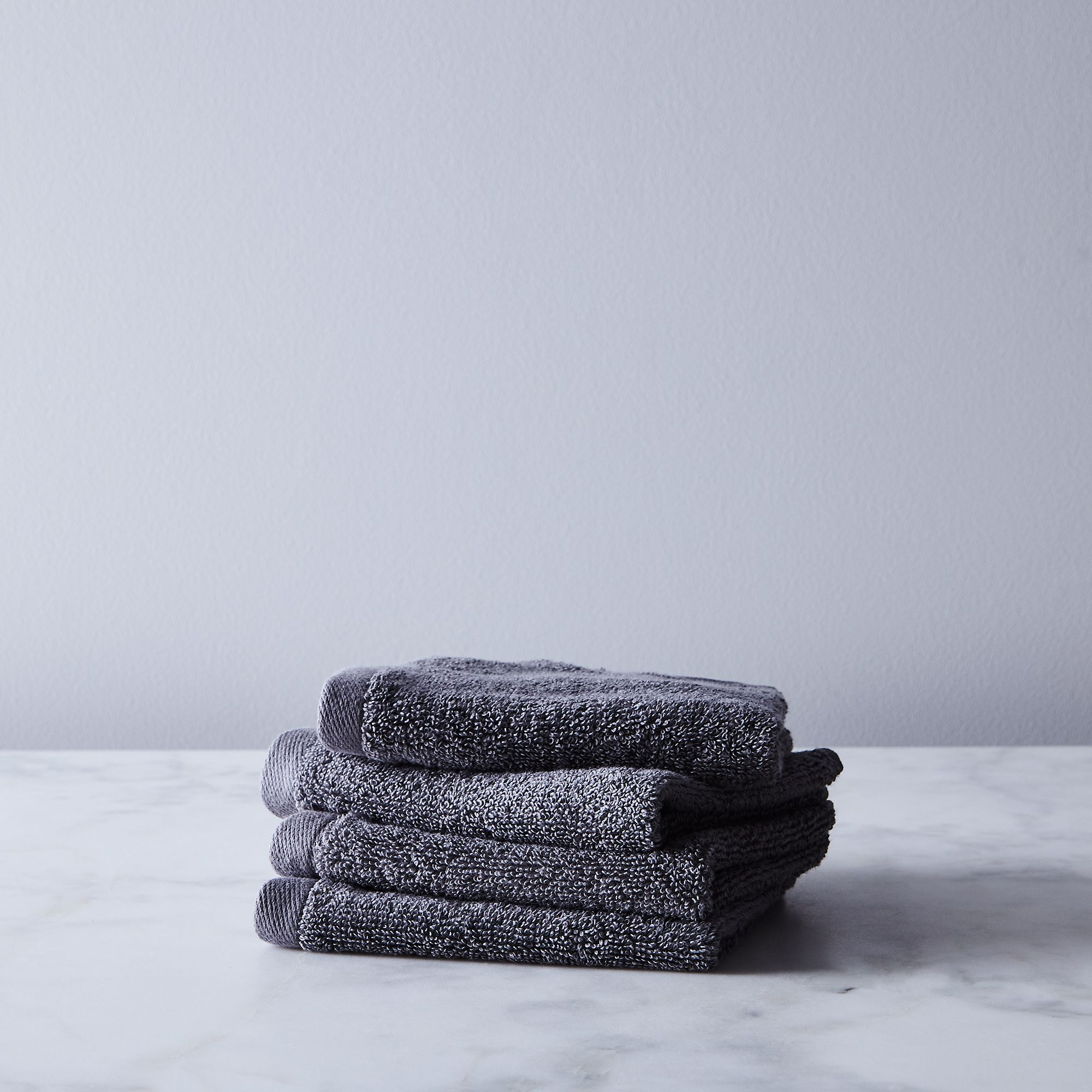 4f4da570 f8ab 48e0 b9ae 166c107e1f30  2017 0926 snowe home soft cotton towels washcloth set of 4 charcoal grey silo rocky luten 006