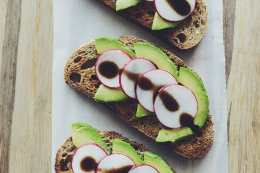 AVOCADO-RADISH TOAST