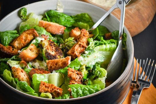Brussel Sprout Salad With Creamy Garlic Dressing