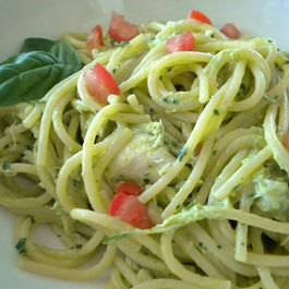Creamy Avocado and Crab Pasta