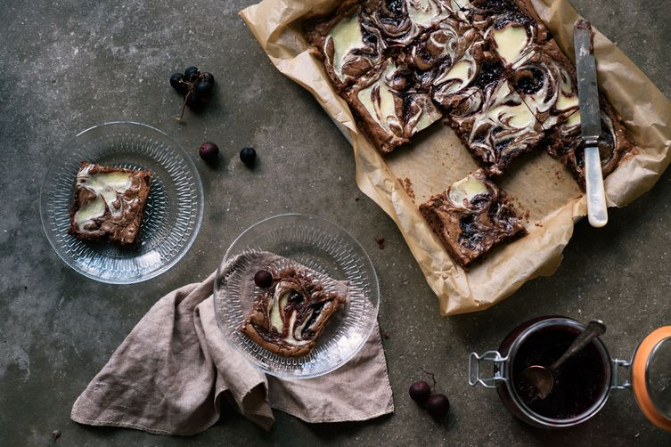 marbled muscadine marmalade & cream cheese brownies