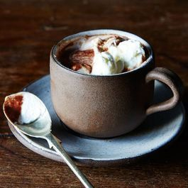 How to Make the Best Hot Chocolate, According to the Experts