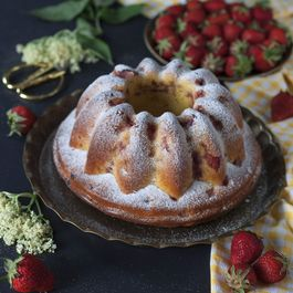 Strawberry and elderflower bundt cake
