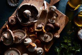 174e2600 ad8f 49cf 9dbc 8a9c851541c3  2017 1121 genius mark bittman sauteed mushrooms garlic 3x2 mark weinberg 0320