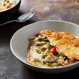 Fc4bc092 7f5d 4dc3 b792 ba253029d410  2017 0404 carla hall chicken pot pie james ransom 407