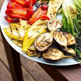 Grilled Veggie Platter with Red Pepper Hummus Sauce