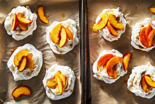Peaches & Cream Pavlovas