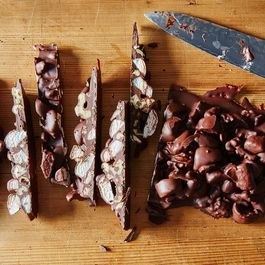 98bd570b c5b7 4ac0 a6bc 6f59f85f9349  2015 1022 how to make your own rocky road slices 019 james ransom 1